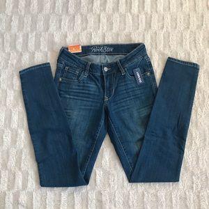 Old Navy Rockstar Skinny Jeans 💥 NWT